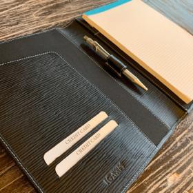 Schreibmappe aus Leder, individuelle Anfertigung für IGAKIS