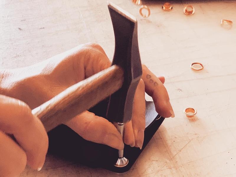 Individuelle Lederanfertigung von Design in Leder